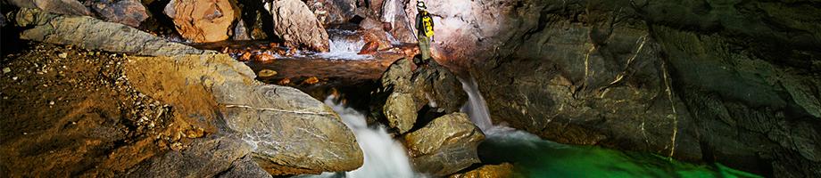 Fleuve dans la grotte Hang Nuoc Nut - Phong Nha Ke Bang