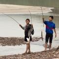 Pêcher dans le Mékong à Pakbeng