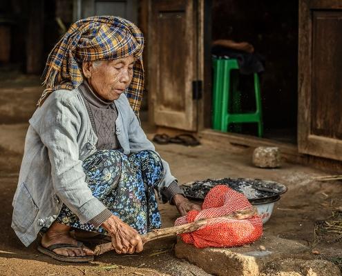 Une femme dans la région de Pindaya