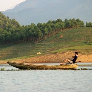 Balade sur le lac Thac Ba