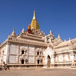 Le célèbre temple Ananda Phaya à Bagan au Myanmar