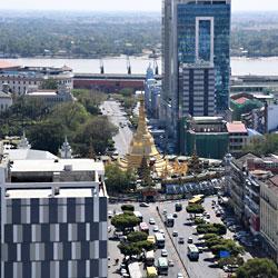 Vue sur la pagode Sule à Rangoun au Myanmar