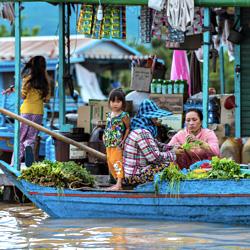 Le village flottant de Kampong Chhnang au Cambodge