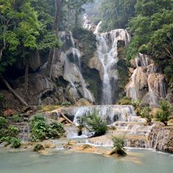Chutes d'eau de Kuang Si au Laos