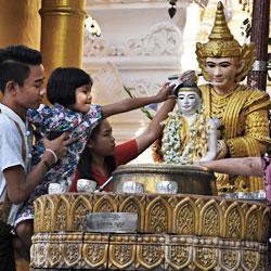 Pagode Shwedagon à Yangon au Myanmar