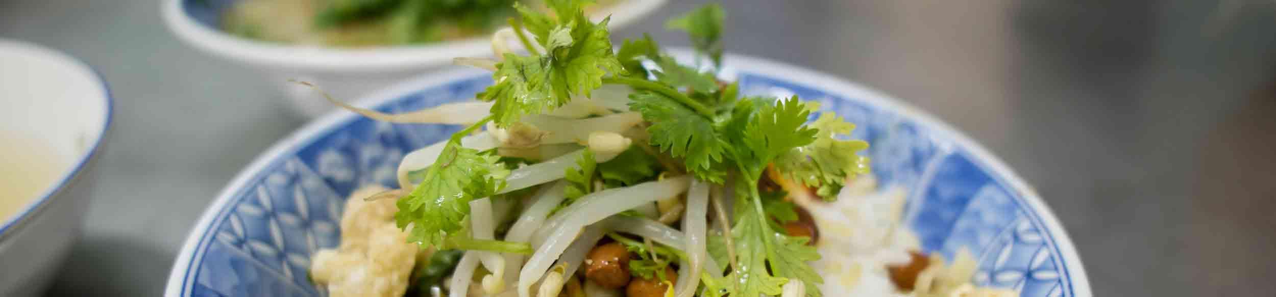 Goûter à la cuisine de Hué avec Carnets d'Asie