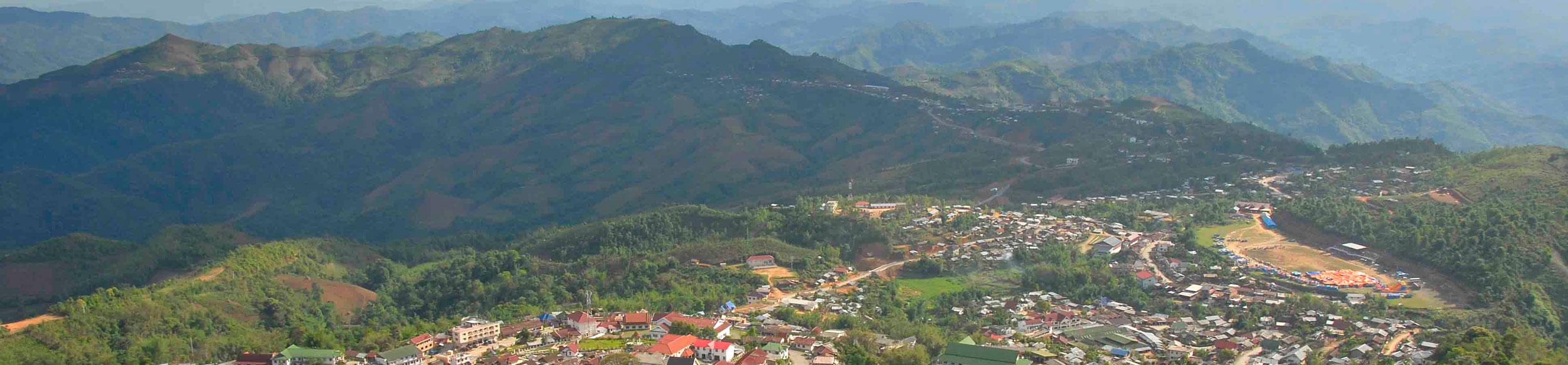 Panorama sur la ville de Phongsaly