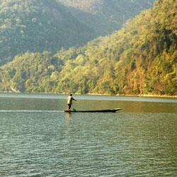Le lac et parc naturel de Ba Be