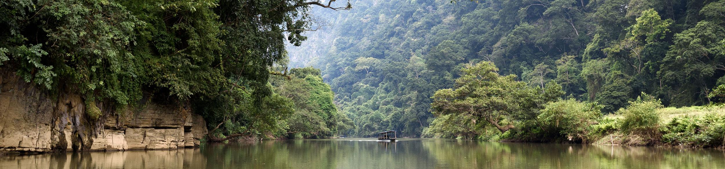 paysage du lac Ba Be au nord Vietnam