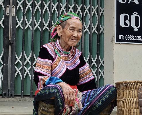 Femmes de l'ethnie Hmong au marché hebdomadaire de Bac Ha au nord Vietnam