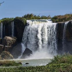Les chutes d'eau de Dray Nur dans les plateaux du centre Vietnam