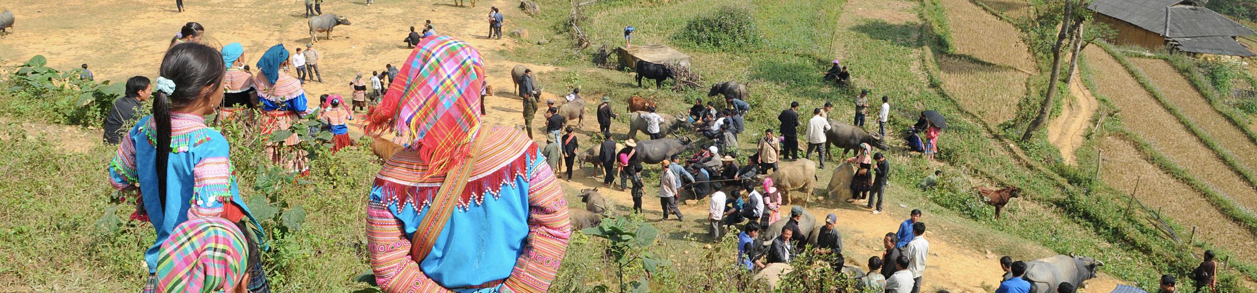 Marché ethnique de Can Cau près de Bac Ha dans le nord du Vietnam