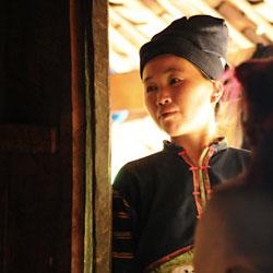 Femme de l'ethnie Lolo noir au Vietnam