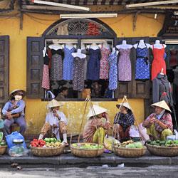 vendeuses ambulante à Hoi An
