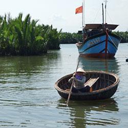 Pêcheurs de la mangrove de Cam Than à Hoi An