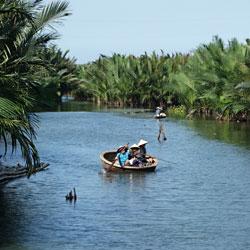 Panier en bambou dans la mangrove de Hoi An