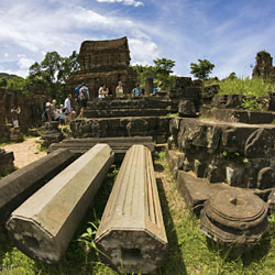 ruines dans le sanctuaire de My Son au centre Vietnam