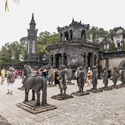 Tombeau des Empereurs à Hué au Vietnam