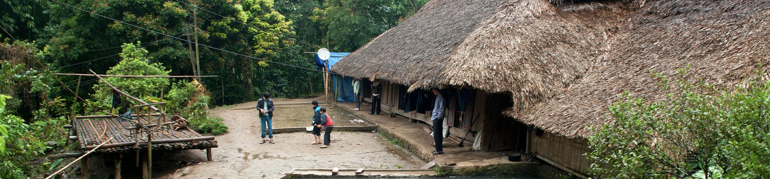 Maison ethnique dans la région de Luc Yen au nord Vietnam