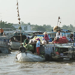 Marché flottant de Cai Rang à Can Tho dans le delta du Mékong