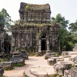 Sanctuaire de My Son du peuple Cham, une des cultures du Vietnam