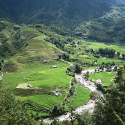 Villages et rizières en terrasse dans la vallée de Sapa au nord Vietnam