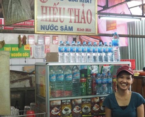 Petit magasin de rue à Saigon