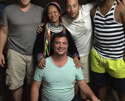 Vincent et ses amis chez les Dao Rouge