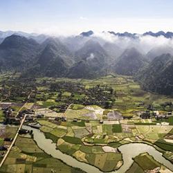 panorama sur les montagnes de Bac Son