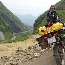 Sur les routes de montagne de Ha Giang à moto