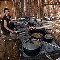 nuuit chez l'habitant au lac de Ba Be au nord Vietnam