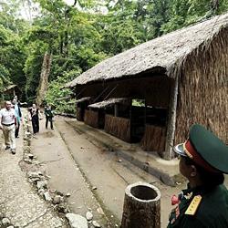 Dien Bien Phu à moto forêt de Muong Phang