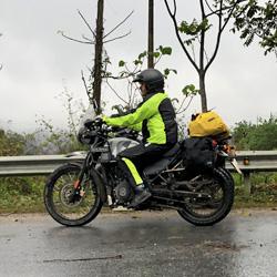 équipement des motos pour les tours de Carnets d'Asie au Vietnam