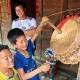 famille de l'ethnie Dao sur le plateau de Sin Ho au Vietnam