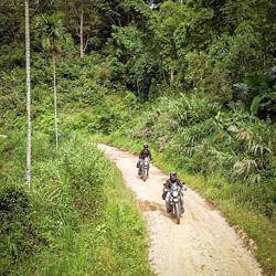 Piste en Royal Enfield Himalayan au Vietnam